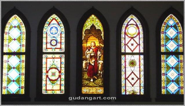 Kaca Patri Untuk Gereja